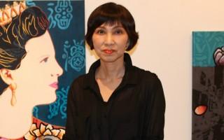 7月8日,在美国华盛顿DC举办的画展上,来自韩国的知名艺术家宋光妍(Kwangyeon Song)在现代画作中融入传统元素,启迪当今世人走向精神回归。(何伊/大纪元)