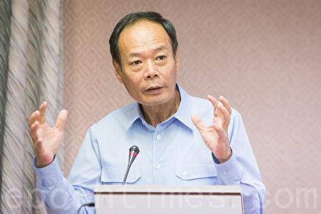 立委质疑台湾为何在南海仲裁前撤回海巡艇,海巡署署长李仲威11日回应,是因为台风和西南气流恐造成船体撞击码头而损伤,才会让巡防艇返台。(陈柏州/大纪元)