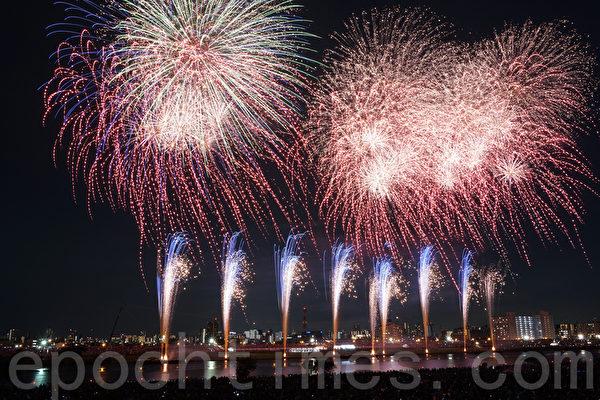 东京最早的烟火大会 近60万人观看