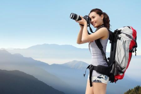 一份調查報告說,2025年中國遊客海外消費總額將超過德英法遊客的總和,且為美國的2倍。(Shutterstock)