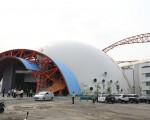 台中洲际棒球场旁的多功能运动中心(又称迷你蛋),已于今年6月取得使用执照,预计明年初开始营运。(台中市政府提供)