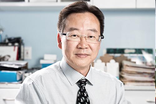 纽约耳通听力检查助听器中心李孔耀先生。(图/大纪元)