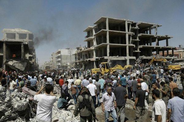 """IS在叙利亚制造""""双爆炸"""" 死伤180多人"""