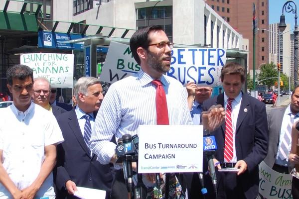 纽约州参议员史葛静来到报告会现场表示支持。 (安心/大纪元)