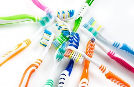 牙刷是细菌滋生的温床。(fotolia)