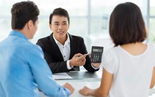 不管是辦理貸款的公司,或者是銀行的貸款專員,本質上是仲介,只是貸款者不知道而已。(Fotolia)
