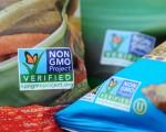 一些美国超市食品袋上已经有了非转基因食品(Non GMO)标签。(ROBYN BECK/AFP/Getty Images)