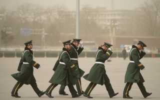 习近平当局启动中共军队政法体系改组,武警部队原有的法院、检察院被取消。  (Feng Li/Getty Images)