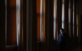 7月7日,中紀委公布中央第十輪巡視15個巡視組已全部進駐32家單位4省市進行專項巡視和「回頭看」。中國問題專家分析認為,習近平可能是對退居政協、人大二線的「關鍵少數」江派官員進行「補槍」。       (GREG BAKER/AFP/Getty Images)