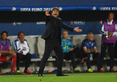 BORDEAUX, FRANCE - JULY 02: Antonio Conte head coach of Italy gestures during the UEFA EURO 2016 quarter final match between Germany and Italy at Stade Matmut Atlantique on July 2, 2016 in Bordeaux, France. (Photo by Laurence Griffiths/Getty Images)