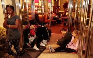 慕尼黑枪击 30人店内逃死劫 有人拥尸痛哭