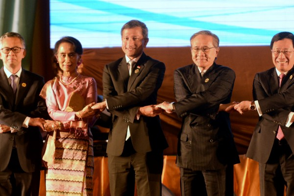 柬埔寨拒在公报中提海牙裁决 东盟陷僵局