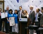 多位学者专家出席洛杉矶世界肝炎日宣导活动。右二为南加大医学中心肝移植部主任方赐麟。(刘宁/大纪元)