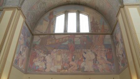 洛杉矶中央图书馆二楼迪恩.康威尔(Dean Cornwell)的大型壁画。(刘宁/大纪元)