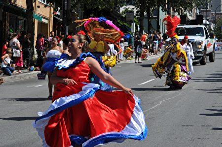 图:7月23日,一年一度的加勒比海节(Caribbean Days Festival)大游行在北温哥华市举行。(唐风/大纪元)