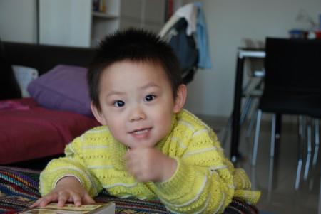 祺祺2岁。(小青提供)