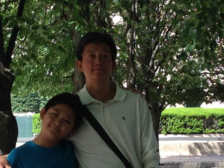 祺祺和爸爸任旭。(小青提供)