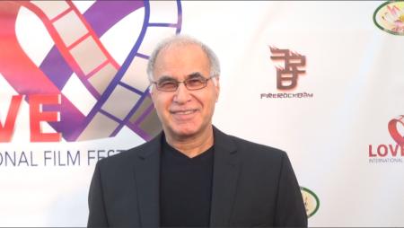 洛杉磯關愛國際影展創辦人 Ata Servati 希望藉由影展能帶給世界更多人愛。 (薛文/大紀元)