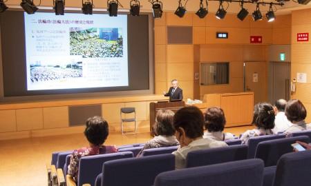 7月16日,廣島市「和平市民之會」團體主辦控告江澤民專題演講,主流人士深受觸動,表示支持控告江澤民。(田振宇/大紀元)