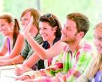 AP英语一向是冷门又艰涩的课程,但对华人学子来说增加语言意识非常有帮助。(Shutterstock)