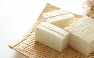 劉安好求道,因煉丹而發明「豆腐」的故事卻被歷代文人詳細記載於書中,汪汲《事物原會》說:「劉安作豆腐」。(shutterstock)