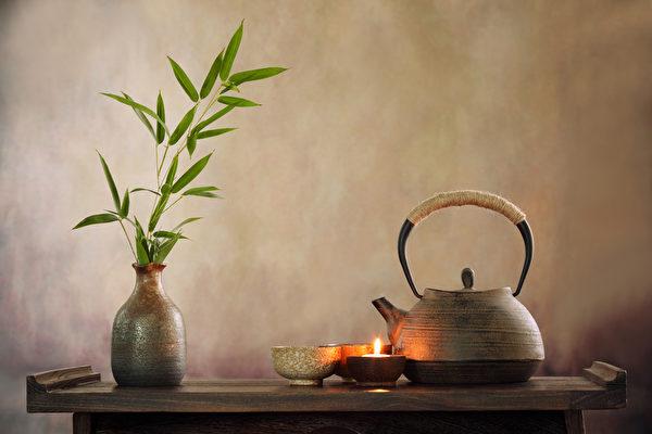 汲秋天老水冲一壶白露茶,明月下把秋风叙叙旧。(shutterstock)