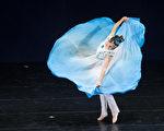 第七屆「全世界中國古典舞大賽」8月1日在台北舉行。選手林融初賽的風采。(白川/大紀元)