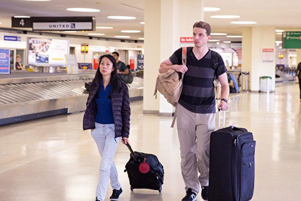 分離18年 王治文女兒回國救父遭中共攔截
