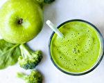作为最有效癌症自然疗法之一的葛森疗法,其饮食原则包括只吃有机蔬果和发芽的古老谷物。(Magdanatka/Shutterstock)