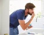 专家的共识是,就护肤而言,忽略涂润肤霜是男士们能做的最糟糕的一件事。(Monkey Business Images/shutterstock)