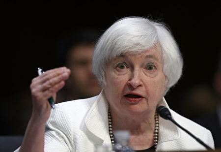 美联储主席耶伦26日在全球央行年会上表示,由于美国经济接近联储的目标,加息的可能性越来越强。(Win McNamee/Getty Images)