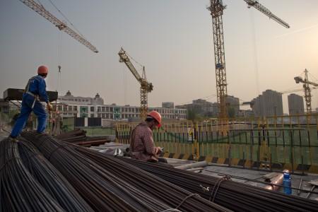 電電公會23日發表2016中國大陸地區投資環境與風險調查報告,調查發現外商在中國經營,面臨9大困境。(AFP)