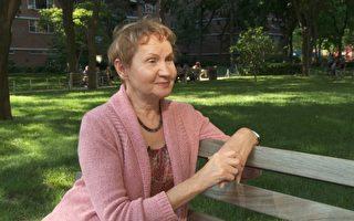 2003年11月11日,畫家芭芭拉.舍費爾大頭朝下從七米高的工作台摔到地上,生命陷入絕境,被西醫判為毫無痊癒的希望。修煉法輪功四個月,她的身體完全恢復健康,又回到了熱愛的工作中。(OliverTrey/大紀元)