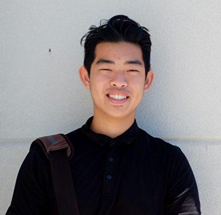 華裔高中學生羅嘉朗在16歲時創建車道維修公司,獲得居民們的好評。(周月諦/大紀元)