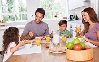 在孩子的開學季到來之際,學會應用一些實用廚務技巧,不但可讓廚房井井有條,也可以免去很多辛苦。(Fotolia)