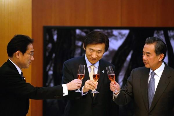 中日韩外长会敲定 为G20首脑会谈铺路
