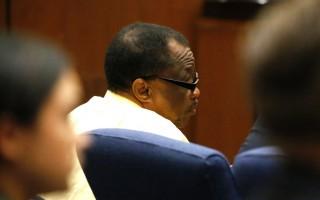 外號「冷血隱形殺手」(Grim Sleeper)的洛杉磯史上最臭名昭著的連環殺手富蘭克林(Lonnie Franklin Jr.)星期三(8月10日)被判死刑。圖為富蘭克林在今年6月6日一次出庭照片。( AL SEIB/AFP/Getty Images)