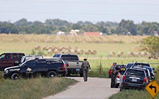 有关当局在调查7月30日在德州发生的热气球着火坠毁事件。(AARON M. SPRECHER/AFP/Getty Images)