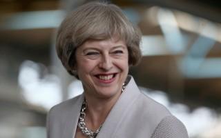英国首相上任月余做了五件惊人之事