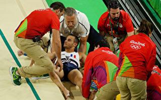 8月6日,法國選手Samit Ait Said在跳馬落地時左小腿脛骨骨折。  (Photo by Scott Halleran/Getty Images)