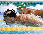 美国泳坛健将菲尔普斯身上留下的一个个拔火罐留下的紫色印记让中医拔火罐一时成为西方媒体的热门话题。(Adam Pretty/Getty Images)