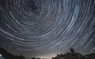 组图:蔚为壮观 英仙座流星雨大爆发