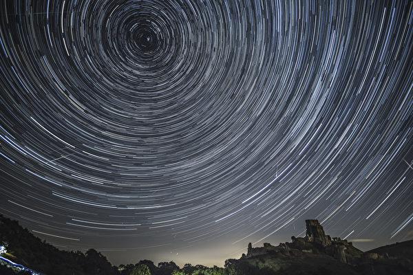 蔚為壯觀 英仙座流星雨大爆發