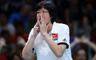 郎平在里約奧運中國女排的比賽中指導。(Getty Images)