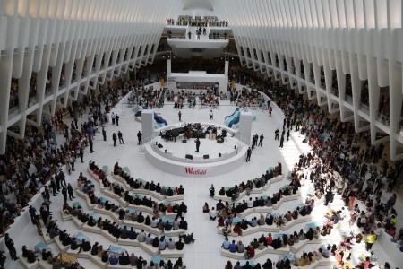 8月16日紐約世貿購物中心舉行開幕儀式。