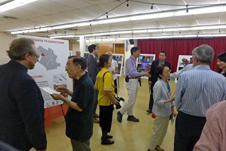 針對堅尼路三角地該如何建設,華埠共同發展機構、紐約市交通局、曼哈頓區長辦公室等機構24日晚舉行公共設計徵詢會,徵集社區意見。