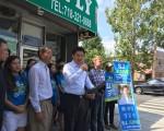 民主黨第16選區州參議員候選人鄭勝振與華裔、韓裔美甲業者呼籲政府改善小企業環境。 (林丹/大紀元)
