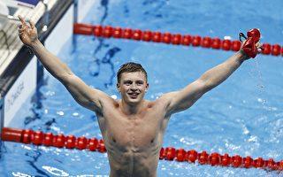 21岁的男孩亚当.皮提(Adam Peaty)为英国队摘取了里约奥运会上的第一枚金牌。(ODD ANDERSEN/AFP/Getty Images)