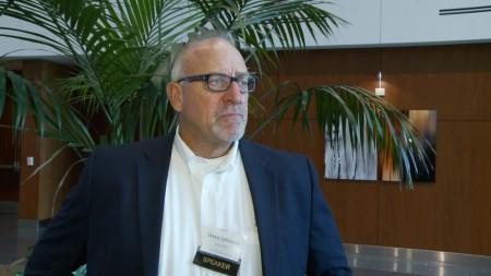 负责圣盖博谷地区水利工程的Stetson工程公司总裁暨总工程师约翰逊(Stephen B. Johnson)。(李子文/大纪元)