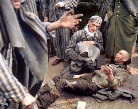 1945年5月4日被美军第82空降师解放的Wobbelin集中营,许多囚犯已几近饿死。(Courtesy of Marina Amaral)